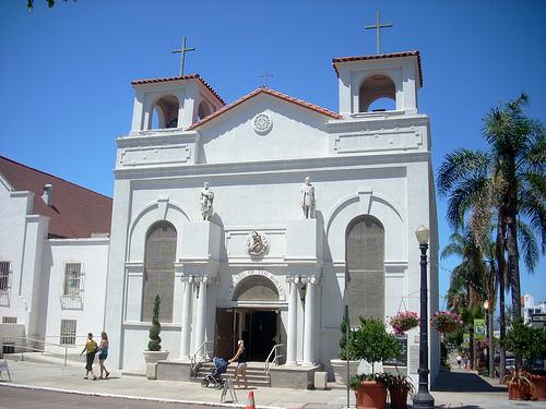 CA Catholic Church Refuses Gay Man His Funeral