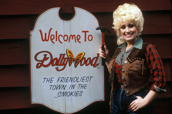 Dolly Parton Apologizes for Gay T-Shirt Incident