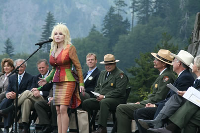 Dolly Parton: Let Gays Marry! They Should Suffer Like the Rest of Us Do.