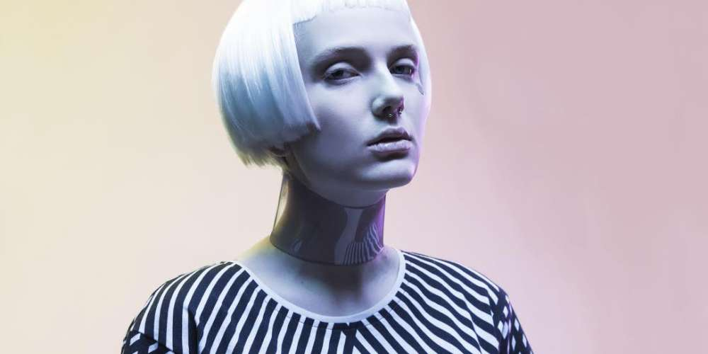 The Hypercolor of Tomorrow: Chameleon Clothes Change Patterns in Sunlight