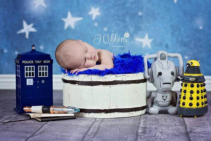 baby, superhero, comic book, famous, fantasy, photo, image, photograph, picture, cute, dr. who, tardis, dalek