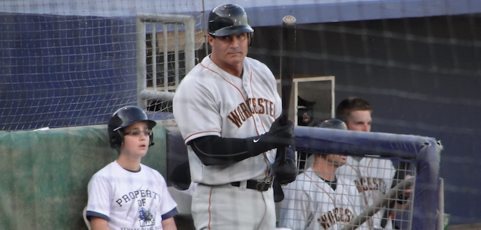 Oh Honey, No: Jose Canseco Wants To Crossdress To 'Support' Caitlyn Jenner