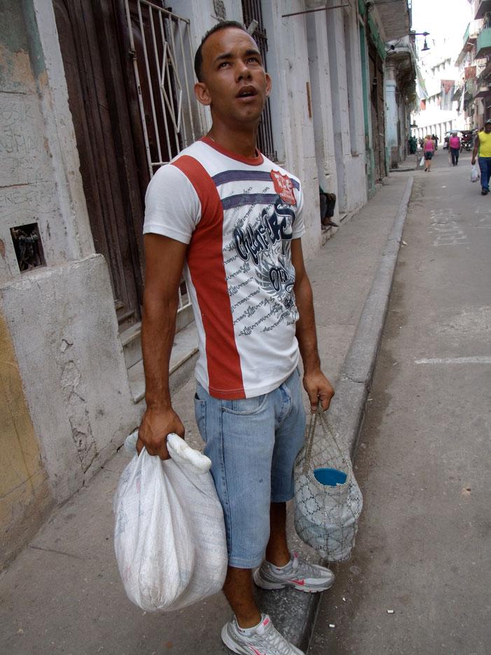 Havana, Cuba, picture, man, photograph, picture, man, grocery