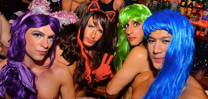 18 Halloween Costume Ideas for your Squad!