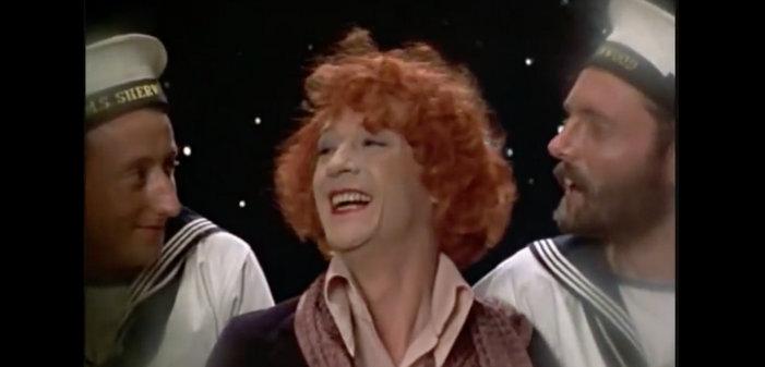 Cinq personnages gays mémorables interprétés par John Hurt (vidéos)