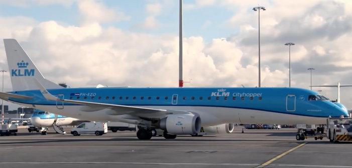 Un passager de KLM choqué par un voisin se masturbant à bord devant du porno gay
