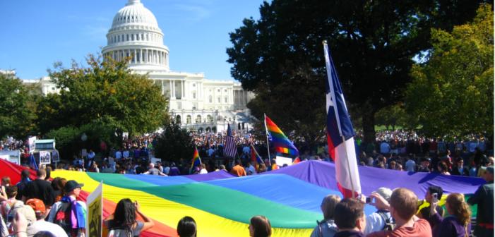 La majorité des Américain.e.s soutiennent l'égalité des droits (mais pas les droits des trans)