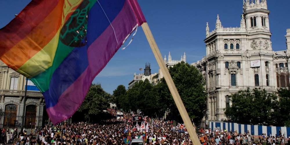 Tour d'Europe: Journée du souvenir, église anglicane, des légionnaires à la World Pride de Madrid ? etc.