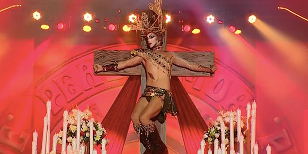 Esta Drag Queen Española te Ganará con Su Blasfemo Performance (Video)