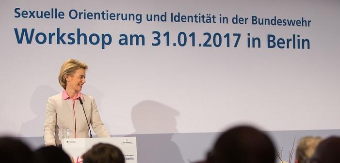 La ministre allemande de la Défense plaide pour la visibilité des LGBT dans l'armée
