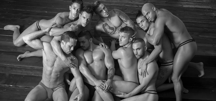 Amamos el Nuevo Libro de Andrew Christian con Fotos Bastante Sugerentes