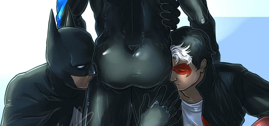 12 Photos Celebrating Nightwing's Beautiful and Bountiful Crime-Fighting Butt