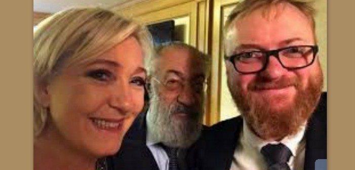 Marine Le Pen pose tout sourire avec un député russe antisémite et homophobe