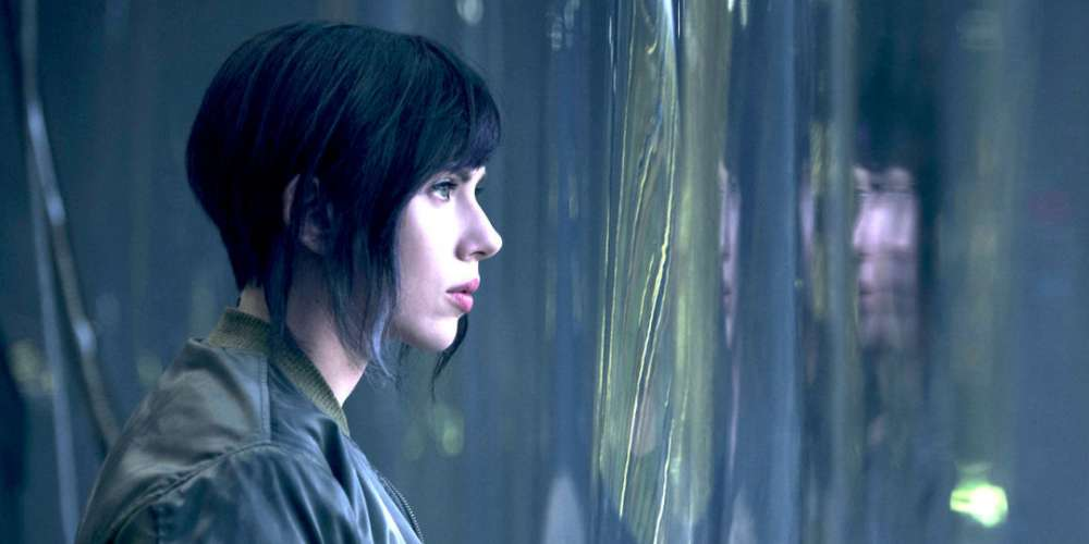 Why Did the 'Ghost in the Shell' Movie Drop Its Lesbian Kiss?