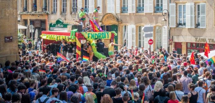 Metz: Quand le FN oppose le bleu, blanc, rouge des «patriotes gays» au rainbow flag des «communautaristes»