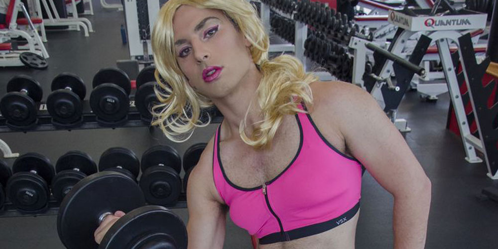 Watch This Genderqueer Athlete Workout at His University Gym (Photos)