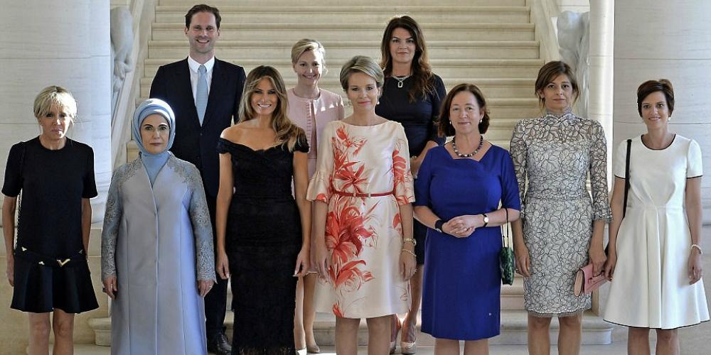 Le mari du Premier ministre luxembourgeois a posé avec les épouses des leaders du monde