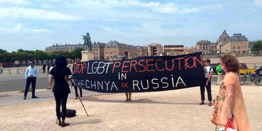 Tchétchénie: Macron en parle à Poutine… et fait arrêter des militantes LGBT