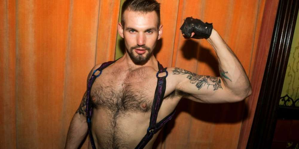 Gay Porn's Chris Harder Shines Bright in New One-Man Show