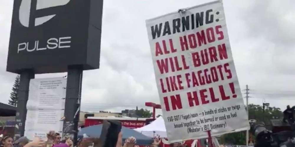 Un contre manifestant homophobe arrêté lors de la commémoration à Orlando