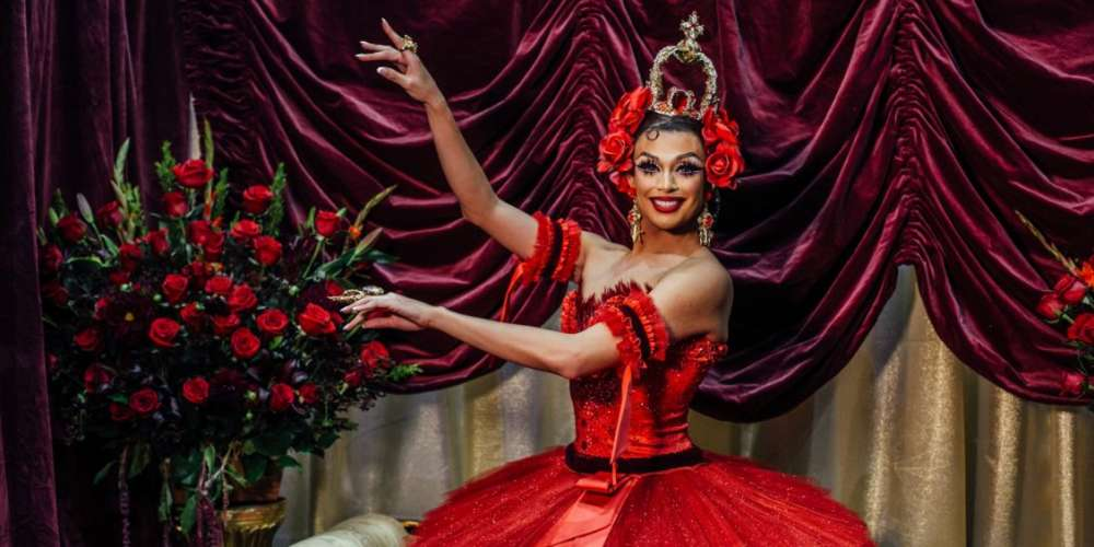 Valentina's Fans Are Bombarding Other Queens With Red Roses
