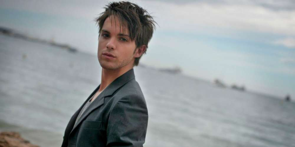 Thomas Dekker Reveals He's Gay After 'Prominent Gay Man' Outed Him