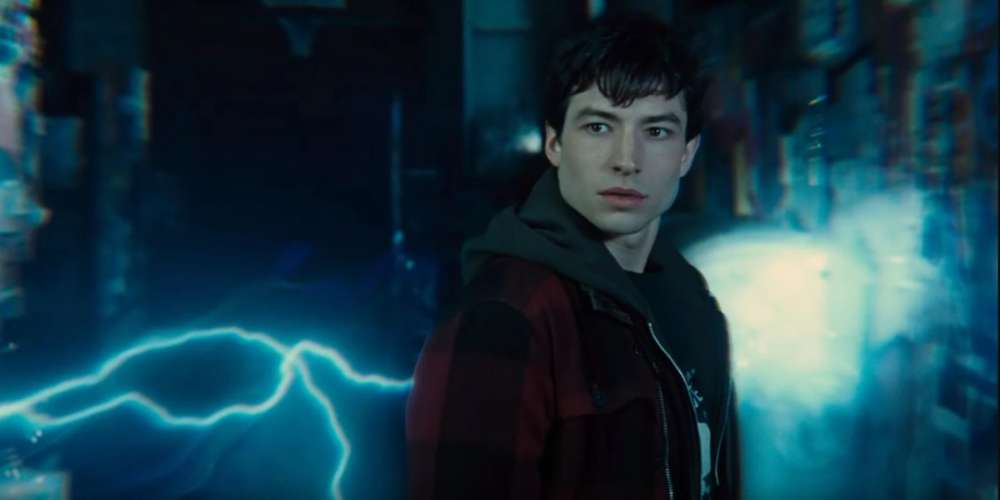 Watch 'Justice League' Star Ezra Miller Lock Lips With a Fanboy at Comic-Con