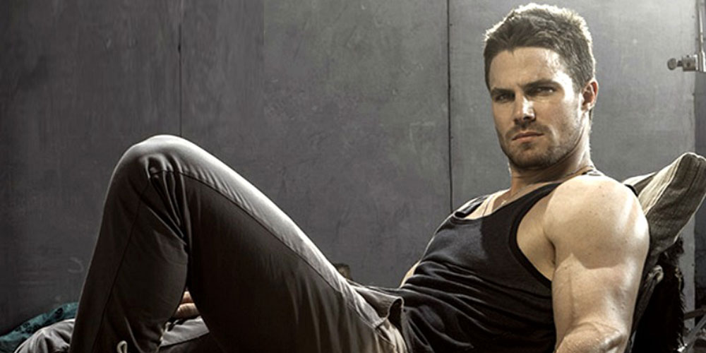 'Arrow' Star Stephen Amell Smacks Down Homophobic Critics of His Visit to Vancouver Pride