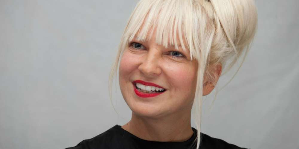 After Finding Out the Paparazzi Were Trying to Sell Her Nudes, Sia Decided to Leak Them Herself