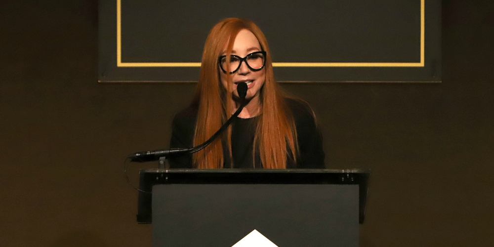 Tori Amos Honors Her Late Friend Kevyn Aucoin at NYC's Annual Emery Awards (Photos)