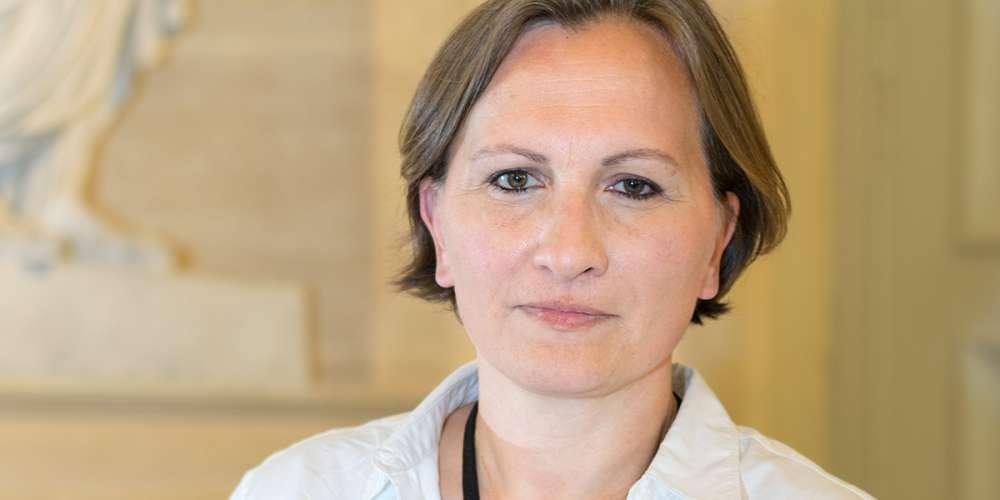 Laurence Vanceunebrock-Mialon, députée lesbienne En Marche, veut s'engager pour la filiation (et la PMA)