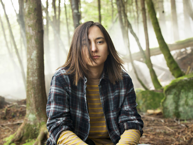 Zelda Williams as Drew Reeves in Dead of Summer, trans male TV characters 08