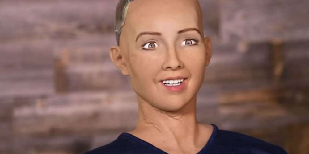 This Drag Queen Perfectly Embodied Sophia, the World's First Robot 'Citizen'