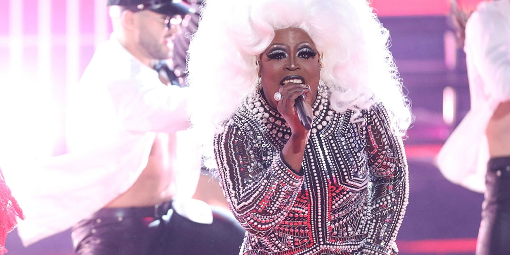 Conservative Crazies Lash Out at 'The Voice' After Drag Queens Performed on Its Season Finale