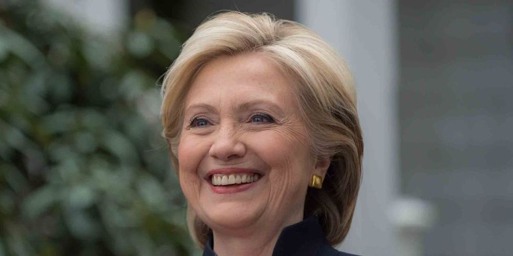 Twitter Users Blast 'Sexist' Vanity Fair Video Suggesting Hillary Clinton 'Take Up Knitting'