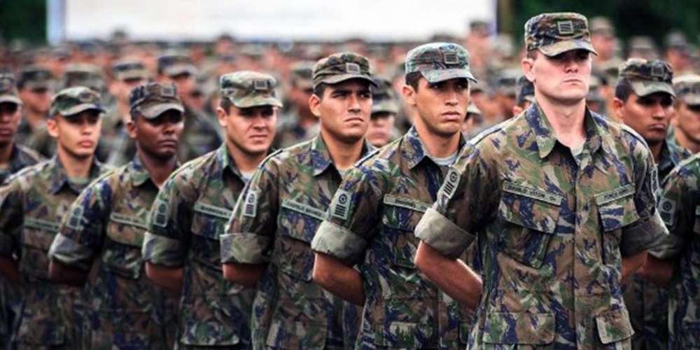 Homens trans de até 45 anos terão que se alistar nas Forças Armadas