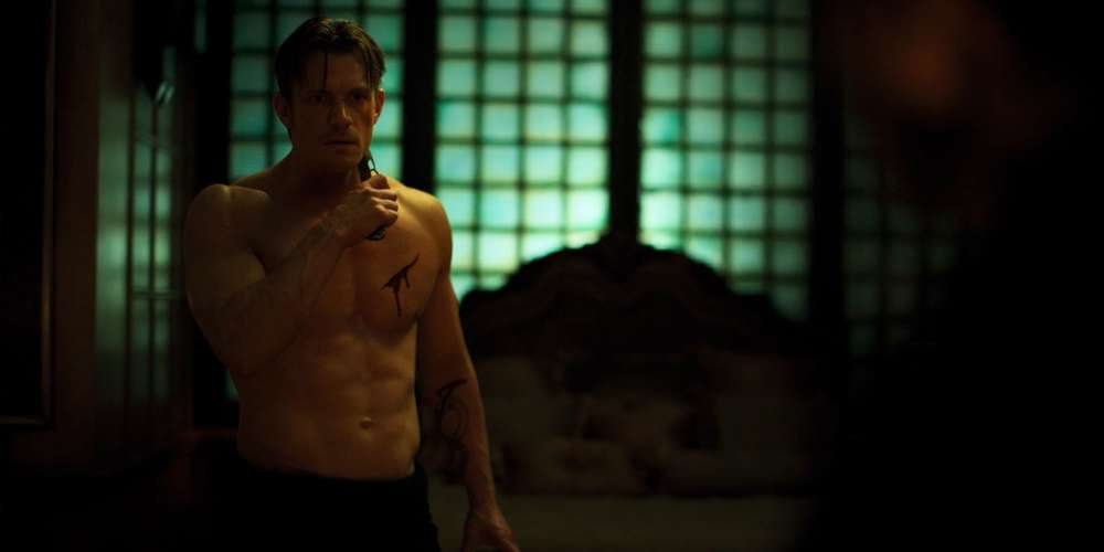Netflix's 'Altered Carbon' Is a Futuristic Cyberpunk World Full of Body-Swapping, Nudity and Sex