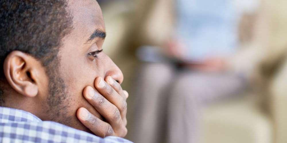 向家人出櫃前先停看聽:你應該評估的4個面向