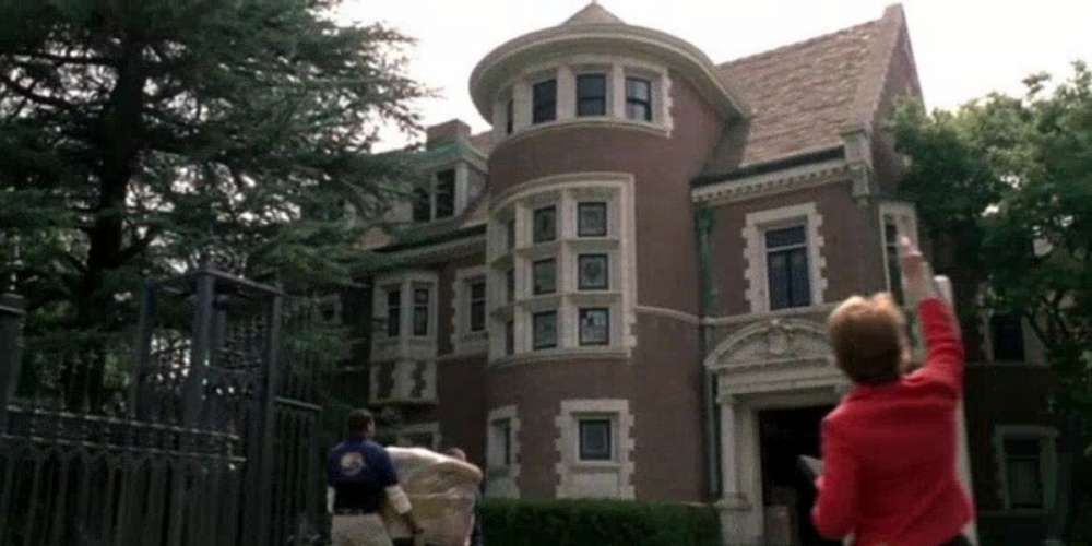 The New Owners of the 'American Horror Story' Murder House Are Suing Over Obnoxious Fans