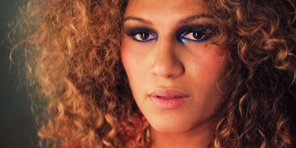Cantora trans Candy Melody da Banda Uó sofre transfobia em aeroporto