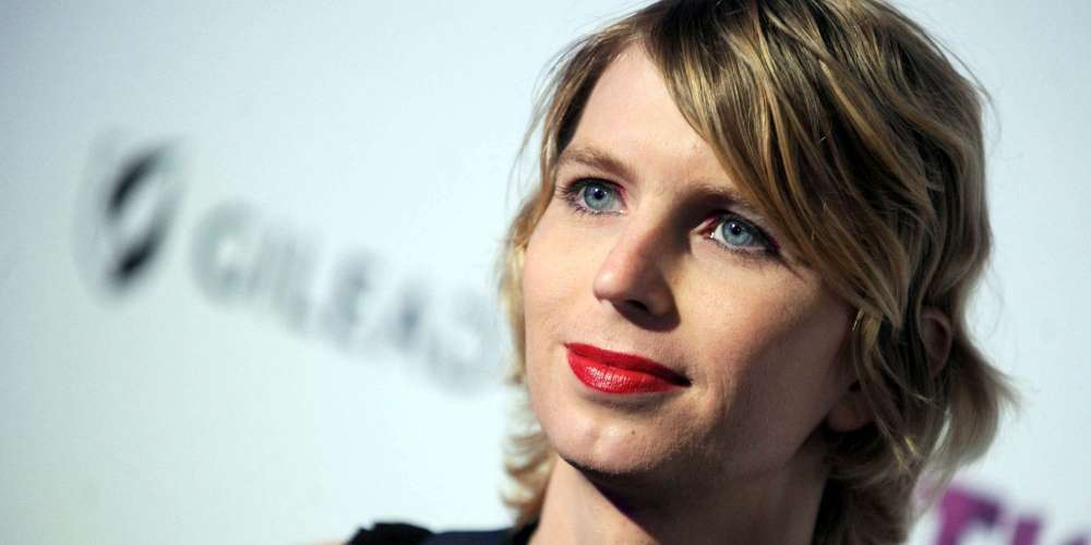 SXSW 2018: Chelsea Manning Warns the World About the Mass Surveillance Tool Hiding in Your Pocket