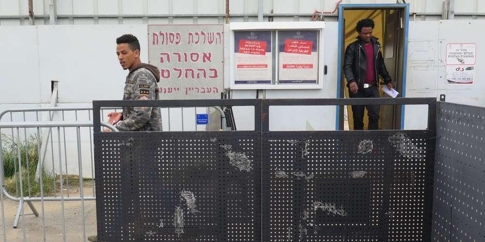 Noticias Mundiales: Victorias Políticas en Colombia, Mientras que Israel Rechaza Refugiados LGBT y los Envía a Uganda