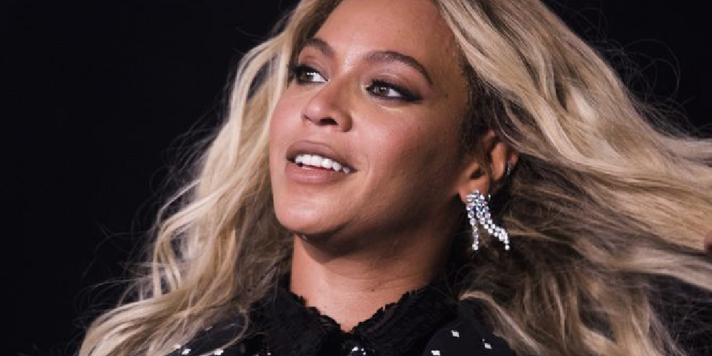 Our 5 Current Obsessions: New Beyoncé Apparel, an Affordable GoPro and Paul Smith Briefs