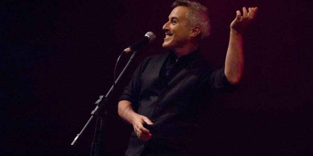 """Roberto Camargo do """"Terça Insana"""" falou com o Hornet sobre presença de LGBT nos palcos e muito mais"""