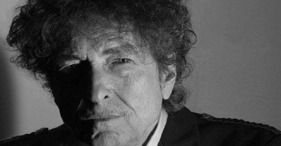 諾貝爾第一個桂冠歌手Bob Dylan在一張合輯中加入了同志歌曲