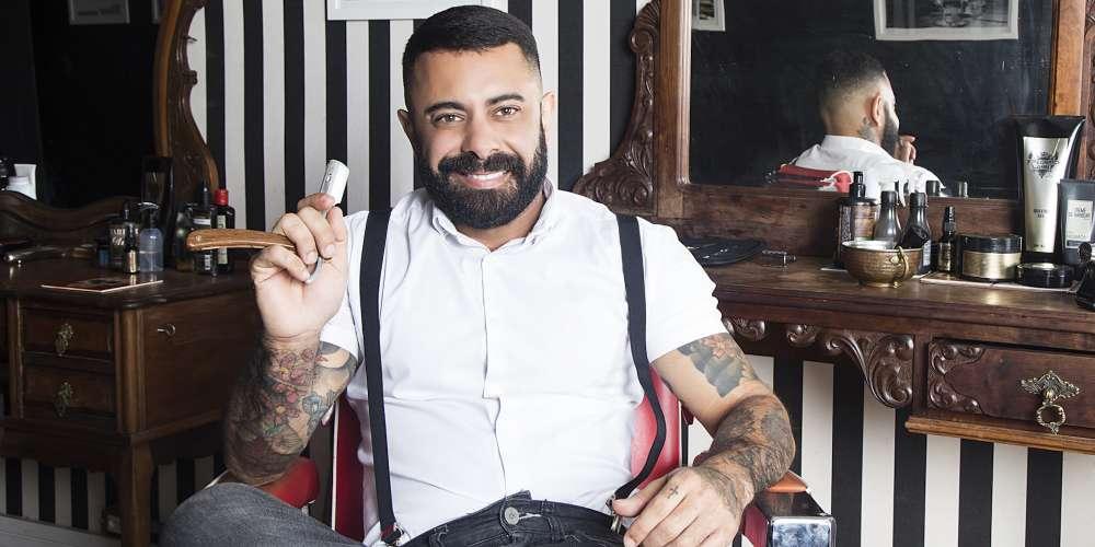 Le mec du mois de Hornet Brésil est-il le barbier le plus sexy du monde?