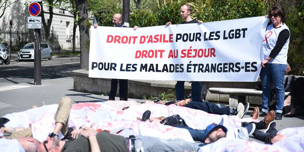 Loi asile immigration: des associations LGBT se mobilisent contre un texte «qui va renvoyer des gens à la mort»