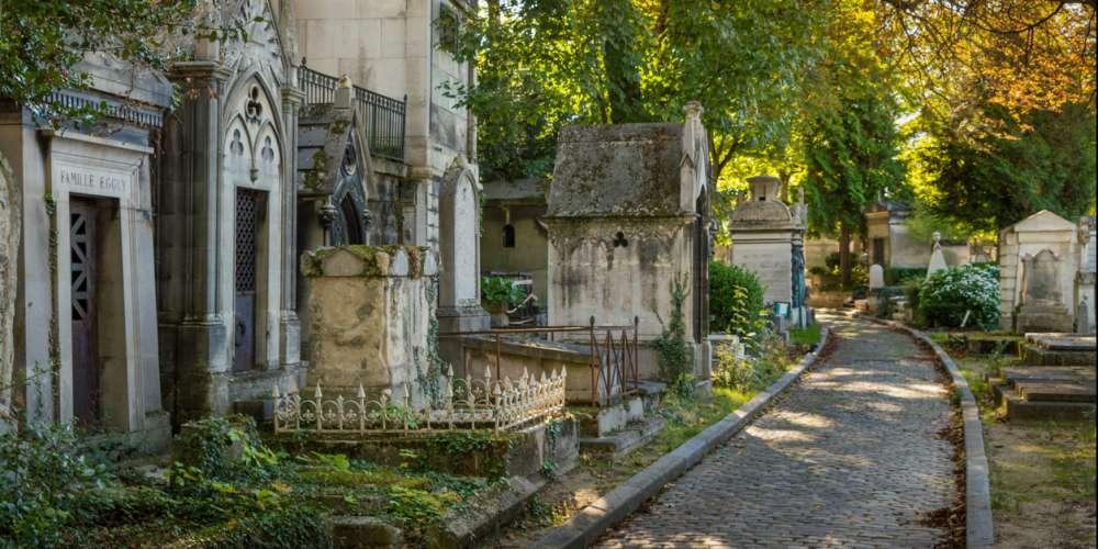 Une balade LGBT dans les cimetières parisiens: l'intégrale