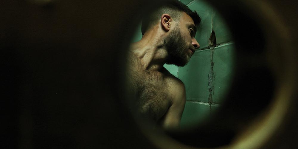 Le photographe Marc Martin lutte contre l'aseptisation de la culture gay avec ses photos érotiques (NSFW)