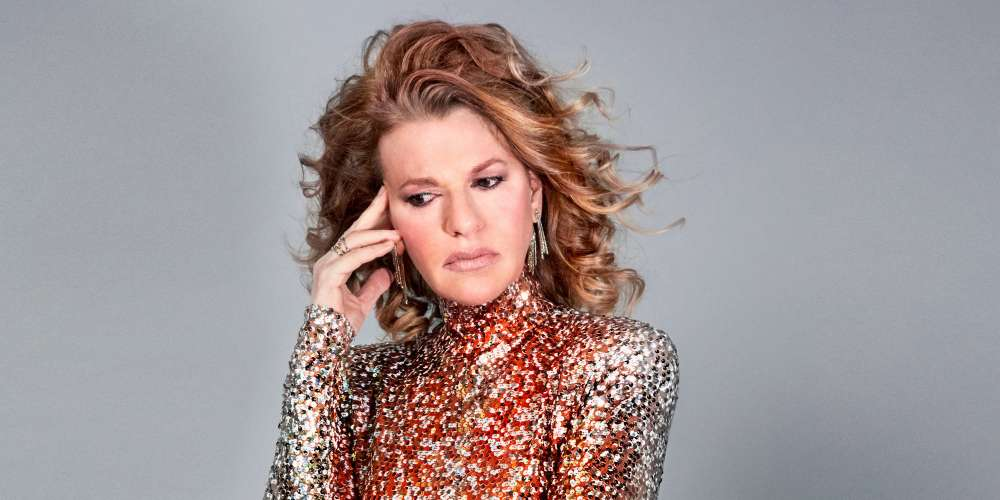 Sandra Bernhard Opens Up About Her Time on 'Roseanne' and Staying Sane in the Trump Era